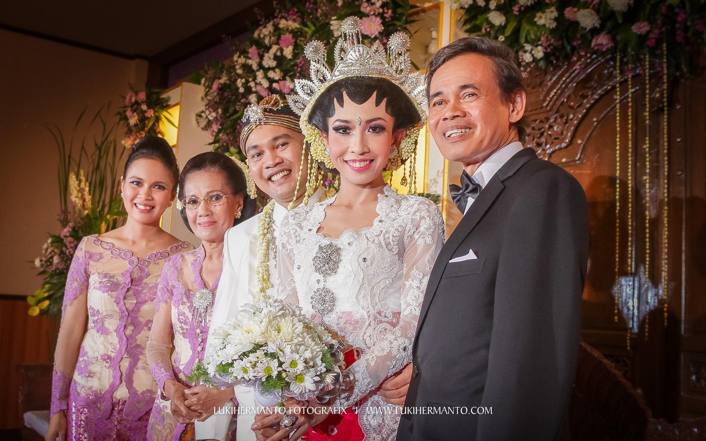 foto candid pernikahan di hotel aston bojonegoro